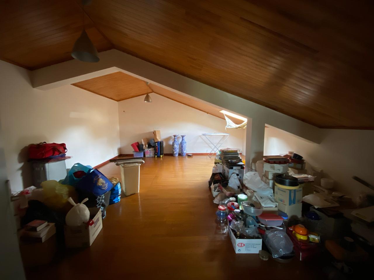 Grande pièce située sur la mezzanine