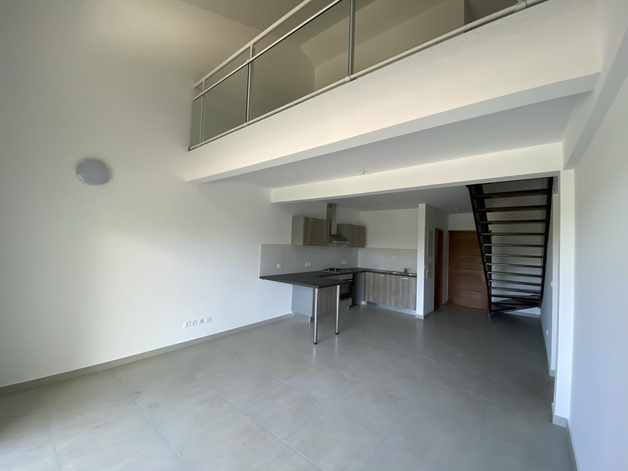 Espace salon et cuisine